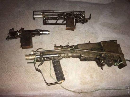 Пістолети-кулемети і верстати: з'явилися фото збройової майстерні одеського стрільця