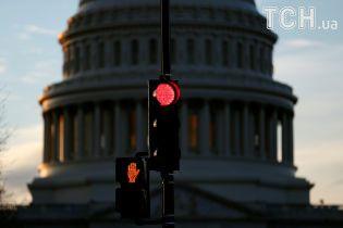 Выходной в понедельник: США остаются без бюджета, приостановлена работа правительственных учреждений