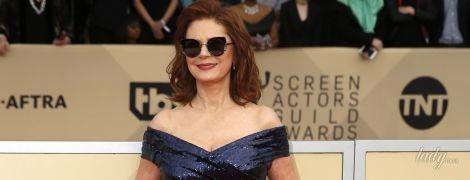 В платье с пайетками и декольте: 71-летняя Сьюзан Сарандон на церемонии Screen Actors Guild Awards