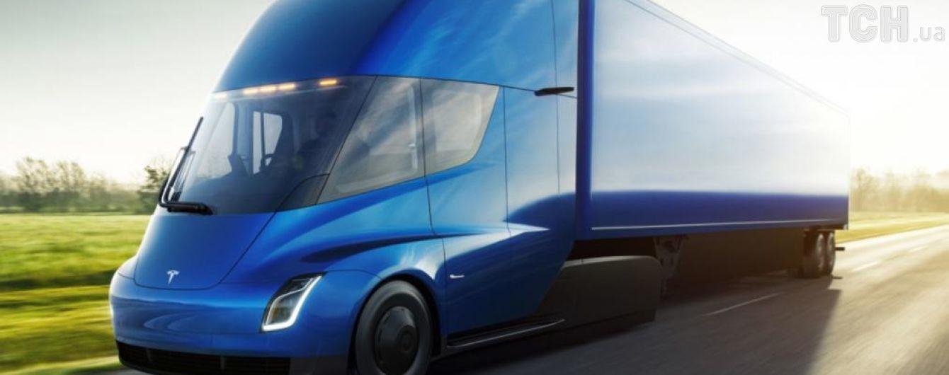 Беспилотные грузовики Tesla проехали более 400 км