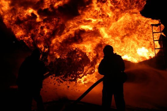 У столичному районі Оболонь в 9-поверхівці згорів чоловік