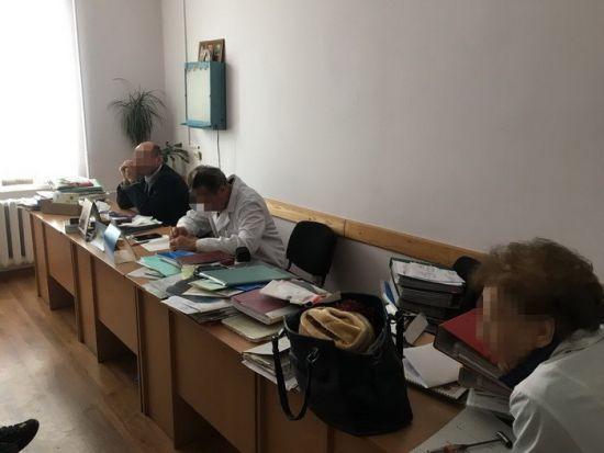 СБУ у Львові викрила медиків, які вимагали 50 тис. грн за інвалідність