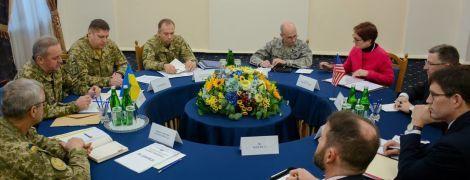 Муженко принял Волкера и Йованович для разговора об АТО и сотрудничестве с США
