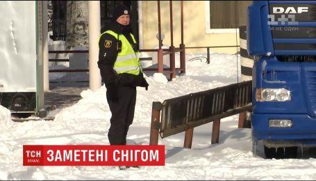 Высота снежного покрова на Луганщине достигла полуметра