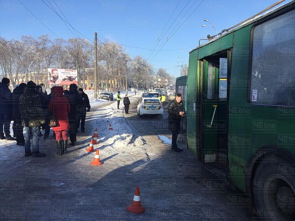 В Чернигове маршрутка на скорости протаранила троллейбус, пострадали более 10 человек