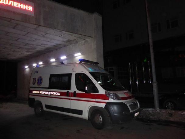 У Києві молодики влаштували стрілянину з різаниною через зауваження в автобусі