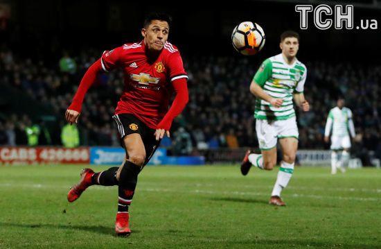 """Санчес асистом дебютував за """"Манчестер Юнайтед"""", який розбив у дріб'язок суперника у Кубку Англії"""