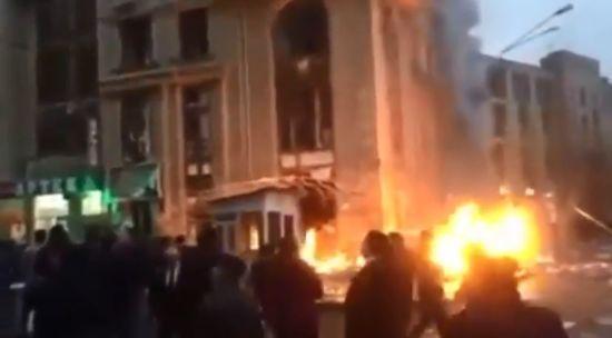 У центрі Баку прогримів вибух у магазині, є постраждалі