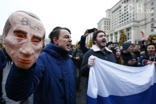 У Росії зростає число затриманих під час акцій Навального проти президентських виборів