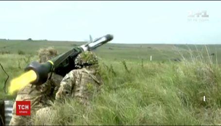 """США начали подготовку к предоставлению Украине противотанковых ракетных комплексов """"Джавелин"""""""