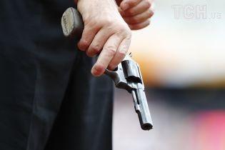 У Маріуполі п'яний чоловік влаштував стрілянину на дитячому майданчику. Є постраждалий