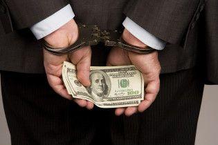 Рівень впливу корупції на бізнес відкинув Україну у 2014 рік – опитування