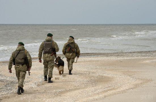 Чиновники на Донеччині привласнили понад 3 га землі на узбережжі Азовського моря