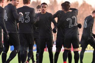 Total black. Шведському клубу зробили суцільно чорну форму на новий сезон