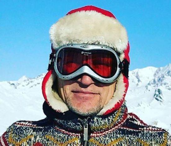 Вправний лижник Олег Скрипка показав, як опановує альпійські траси