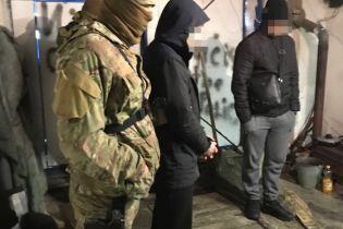 Во все тяжкие: на Сумщине задержали полицейского, который организовал передвижную нарколабораторию