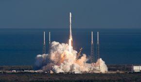 Два в одному: SpaceX вдалося вивести на орбіту 7 супутників за один запуск