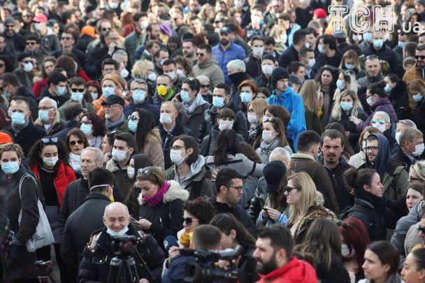 Через суцільну задуху й смог жителі Косова вийшли на масові протести