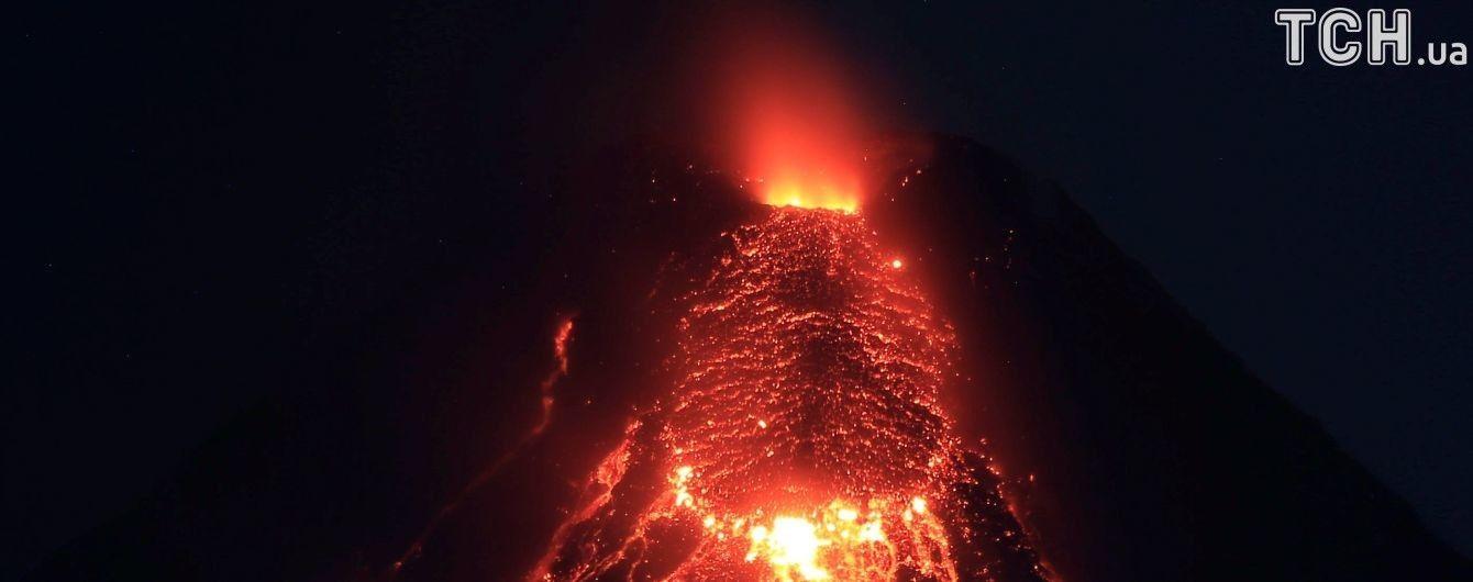 Недалеко от столицы Мексики проснулся вулкан