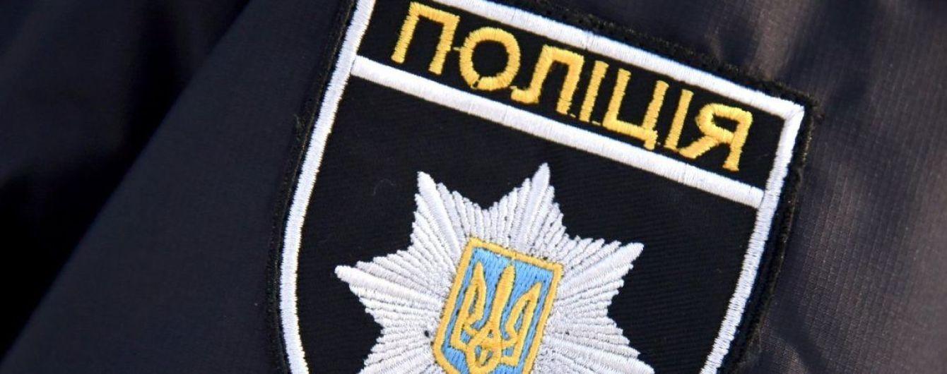 Заклеїли рот скотчем і прив'язали до стовпа: на Одещині підлітки познущалися над дитиною із інвалідністю