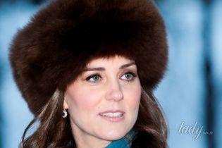 В пушистой меховой шапке: герцогиня Кембриджская продемонстрировала новый образ в Норвегии