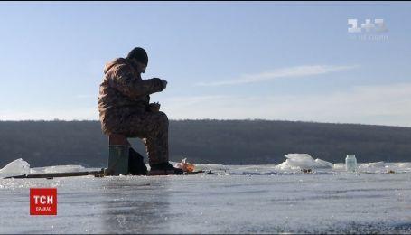 На Запоріжжі рятувальники заступили на чергування в акваторії Каховського моря через відлигу