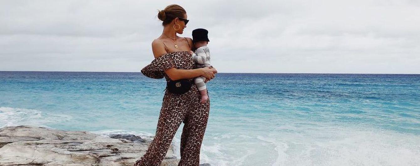 Отправились на отдых: Рози Хантингтон-Уайтли показала новое фото 7-месячного сына