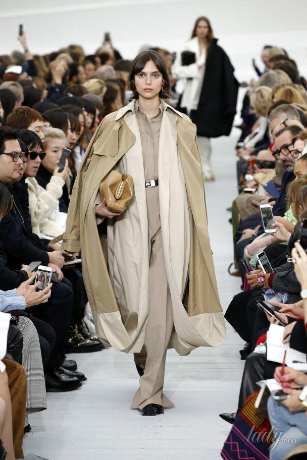Встречайте весну в плаще: тенденции моды сезона весна-лето 2018
