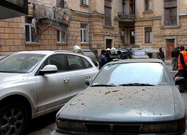 В центре Одессы в доме обвалились балконы