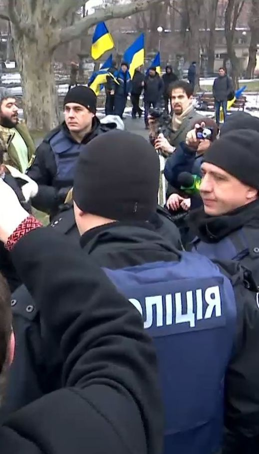 Пророссийский митинг сорвали горожане в Запорожье