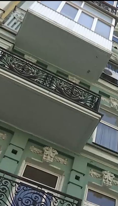 Під час невдалого ремонту квартири в будинку-пам'ятнику архітектури утворилися тріщини