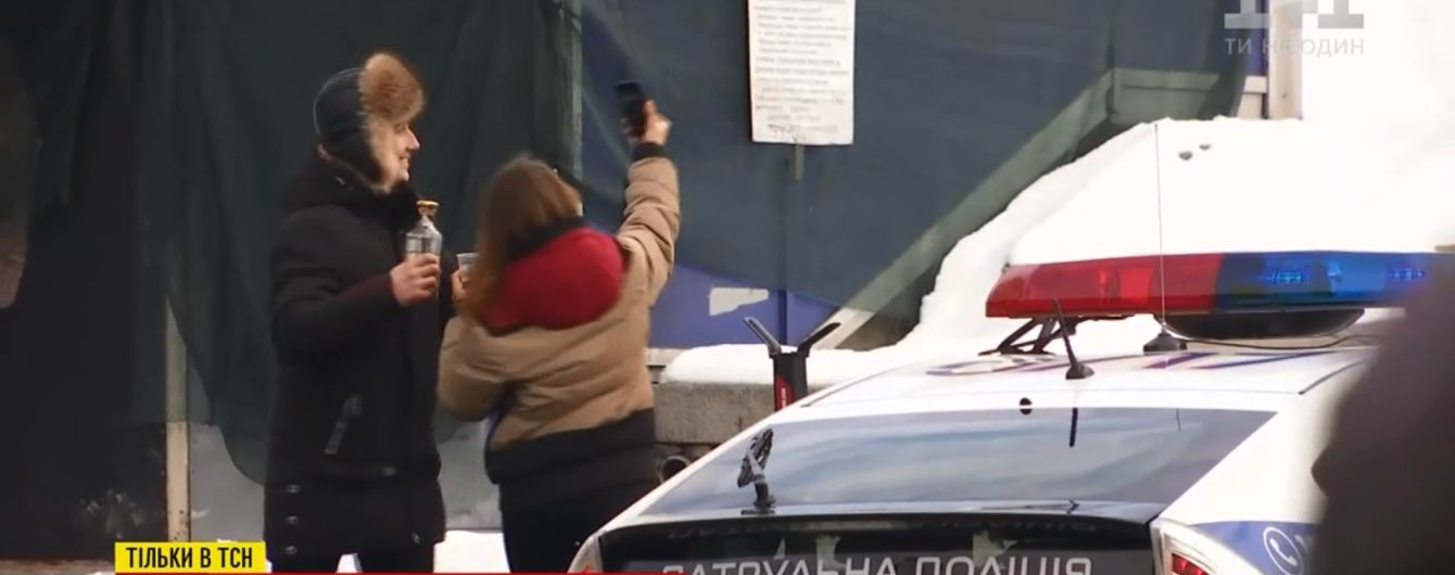 Столичні копи заохочують розпиття алкоголю в самому центрі Києва. Експеримент ТСН