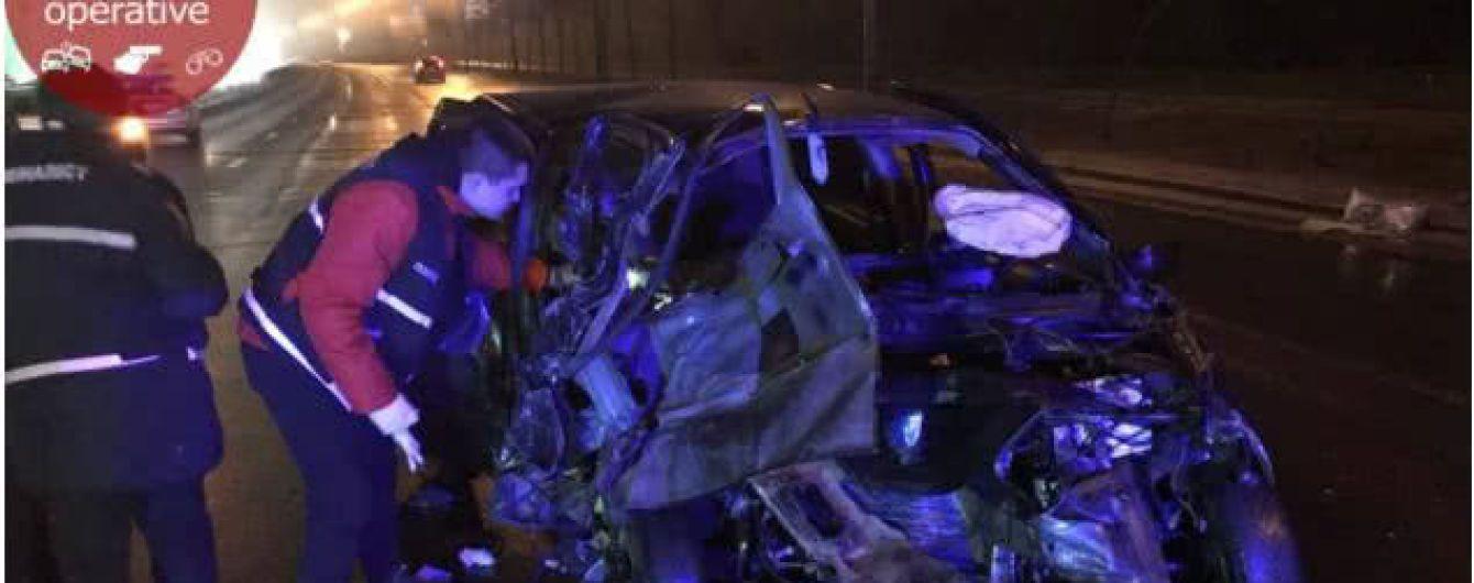 Масштабна ДТП у Києві. Mercedes розтрощив чотири автівки, тікаючи від поліції