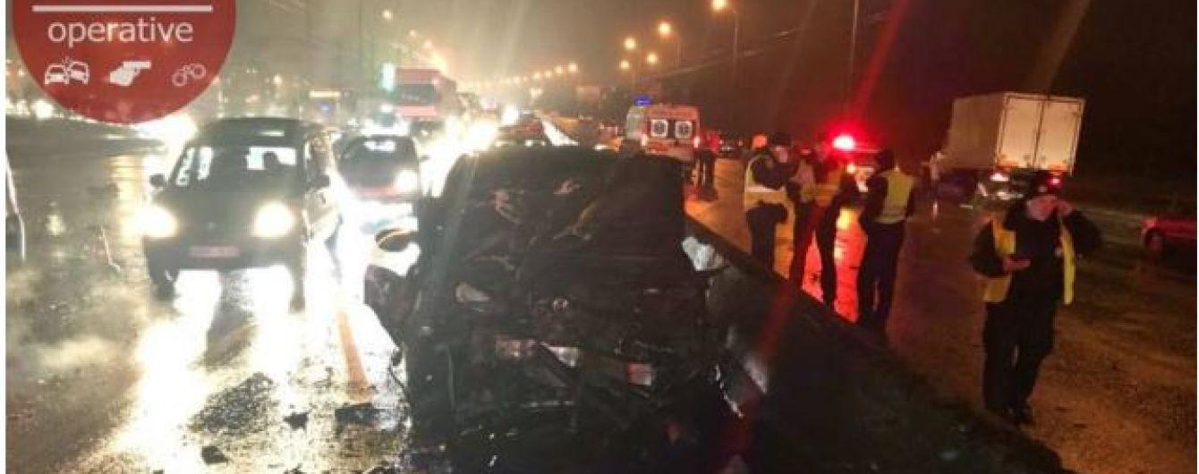 У поліції розповіли подробиці масштабної ДТП в Києві, у якій загинуло двоє людей