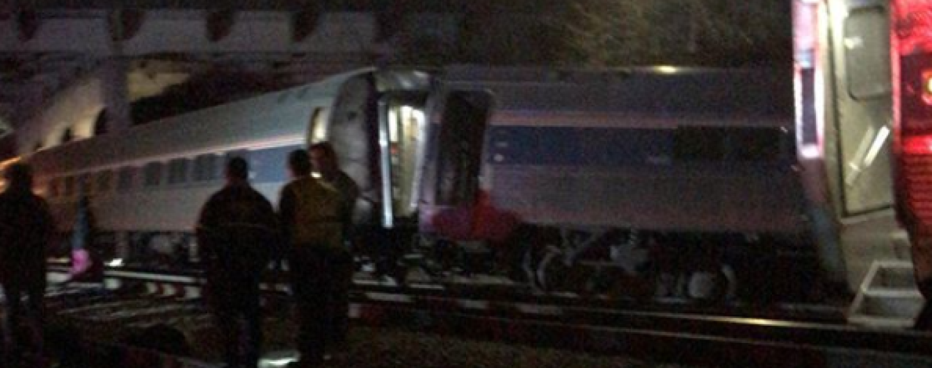 В США столкнулись поезда, двое пассажиров погибли