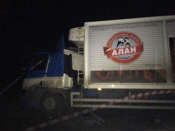 УХерсонській області перекинувся автобус зпасажирами після зіткнення звантажівкою