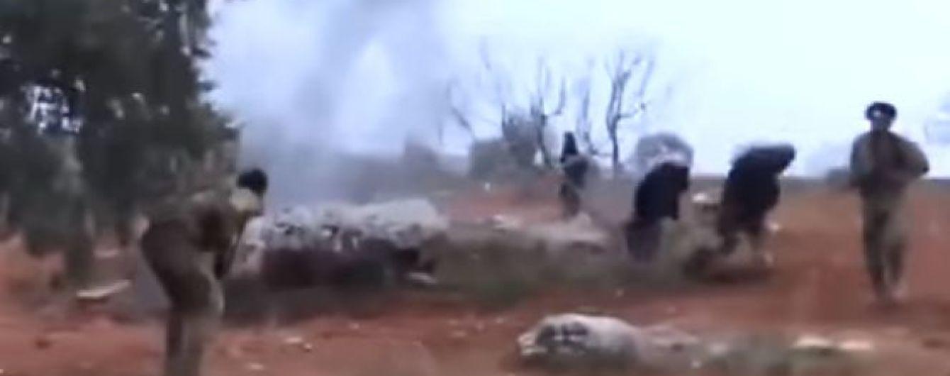 Появилось видео, на котором пилот сбитого российского Су-25 в Сирии взорвал себя гранатой
