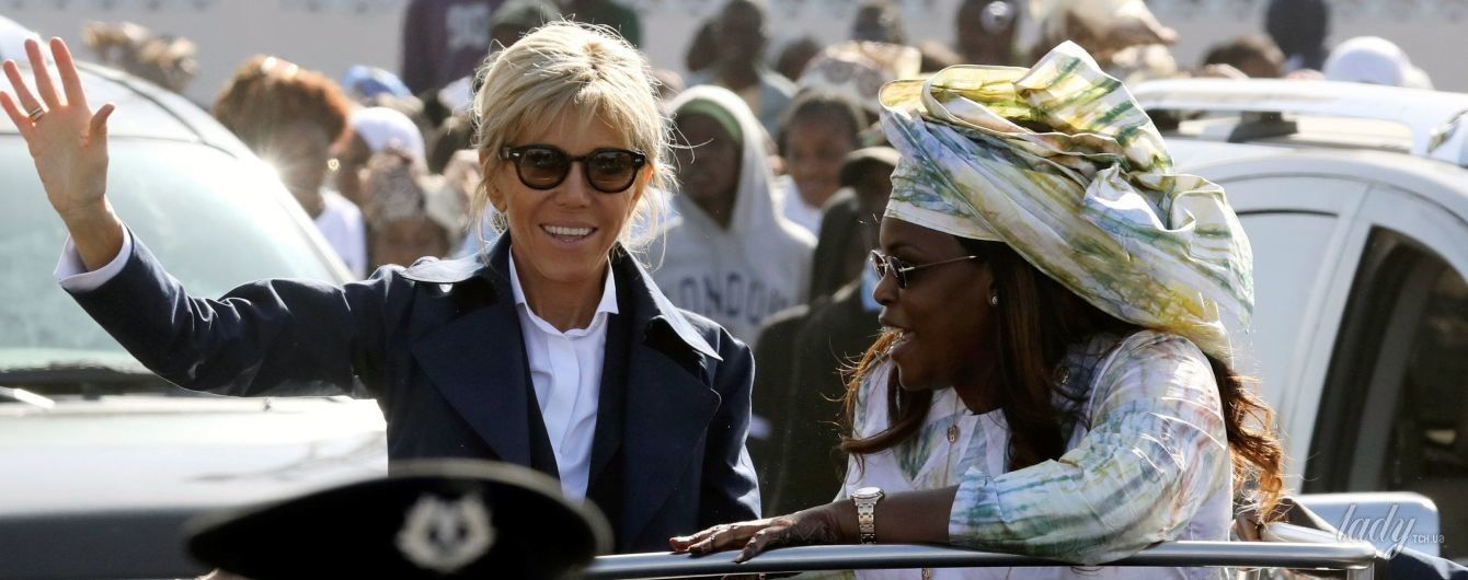 Брижит Макрон продемонстрировала стильный образ в Сенегале