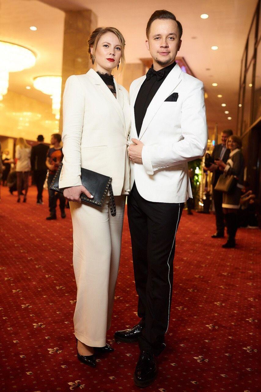 Артем Гагарін з дружиною_2