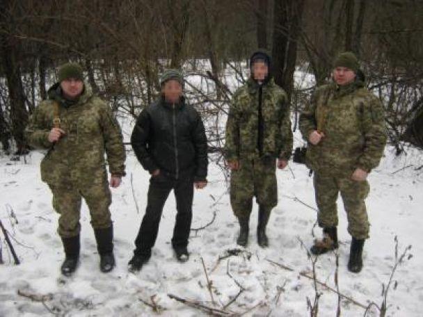 На Сумщині затримали двох росіян, які хотіли пробратися до України