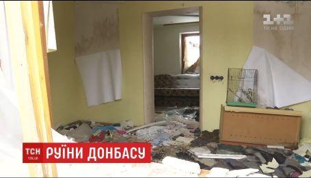 Владельцы обгоревших домов в Песках не могут получить помощь за разрушенное жилье