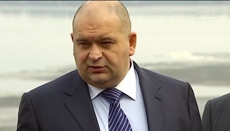 Как экс-министр времен Януковиче скупает янтарные земли