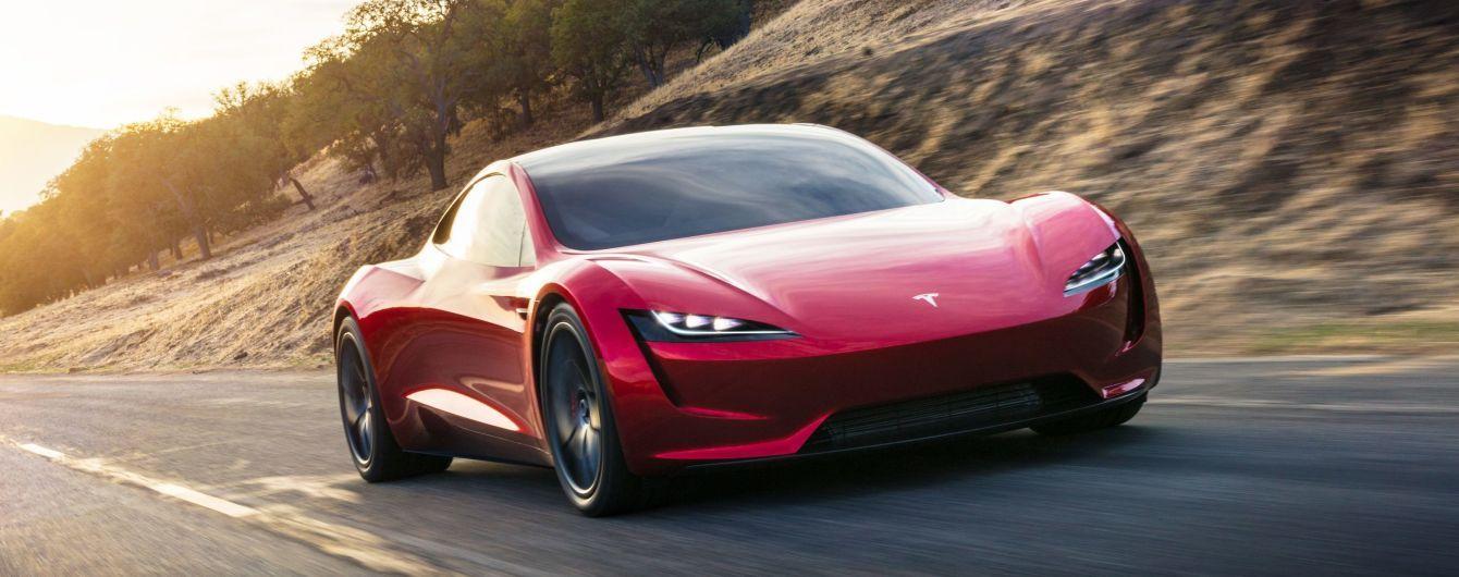 Tesla Roadster улетает в космос