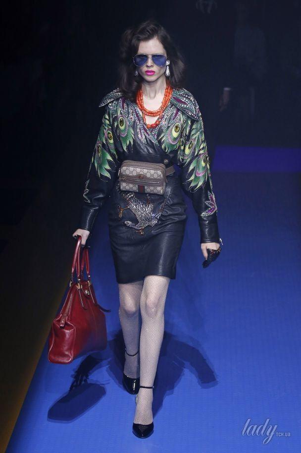 Коралловые бусы и много глиттера в коллекции Gucci сезона весна-лето 2018