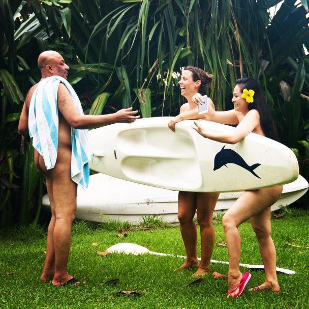Нудисти-просвітники подорожують світом та ведуть відвертий travel-блог