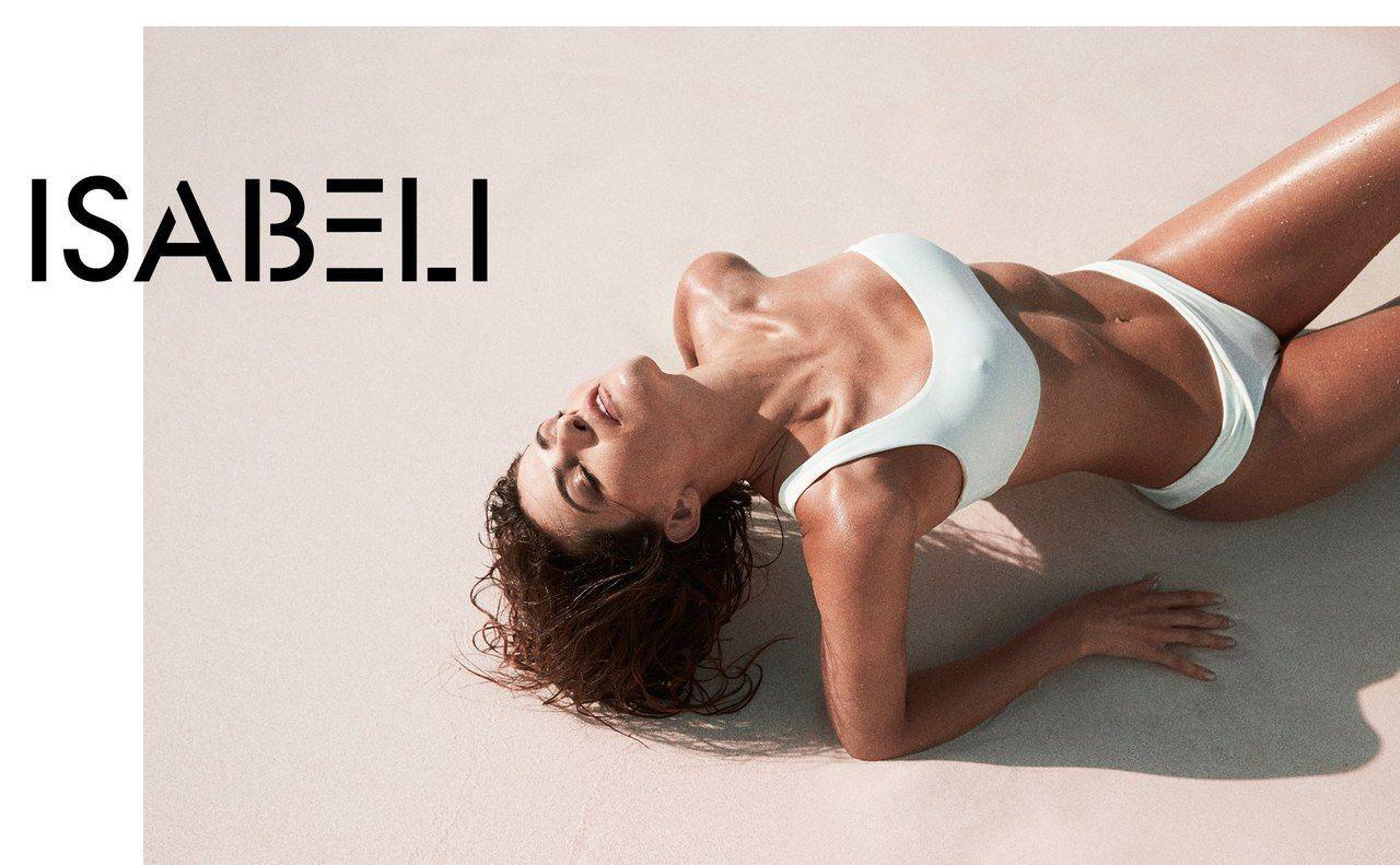 Модели в рекламе купальников Solid & Striped Swim_1