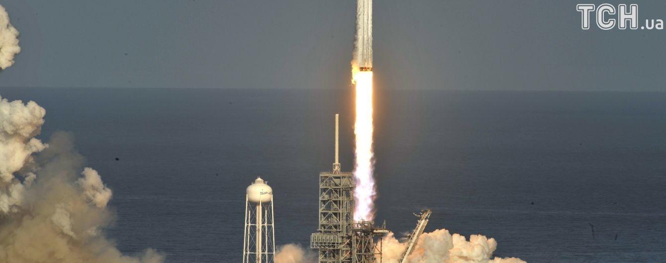 """""""Хороший трюк"""": у Роскосмосі запуск Falcon Heavy назвали """"промоакцією"""""""