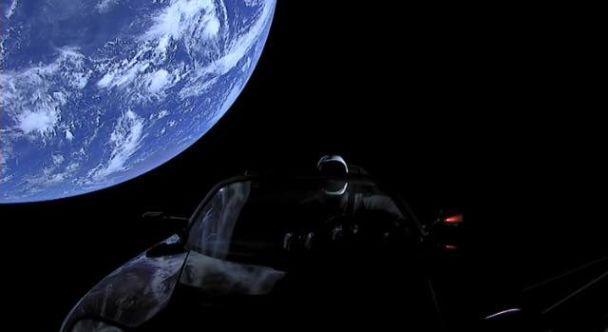 Tesla Roadster перейшов орбіту Марса