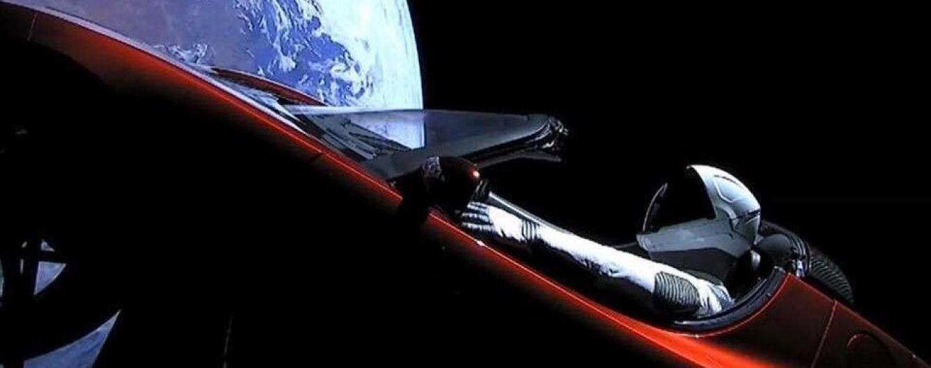 Ученые рассказали, как космическая среда размозжит запущенную в космос Tesla