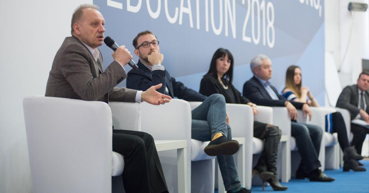 Декан Kyiv Business School Михаил Крикунов на панельной дискуссии
